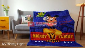 Selimut Bulu Lembut New Seasons Mickey Flight