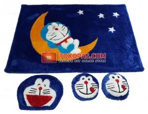 Karpet Rasfur Doraemon Bulan Dasar Biru BCA