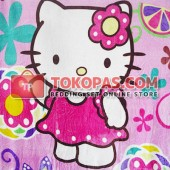 Selimut Hello Kitty Bunga