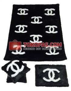 Karpet Bulu Rasfur / Boneka Bulu Chanel Hitam Putih Set