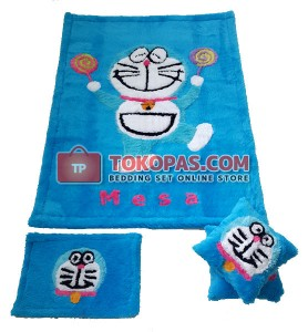 Karpet Rasfur / Bulu Boneka Doraemon Candy