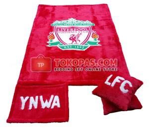 Karpet Rasfur Liverpool Dasar Merah