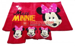 Karpet Rasfur Miss Minnie Dasar Merah